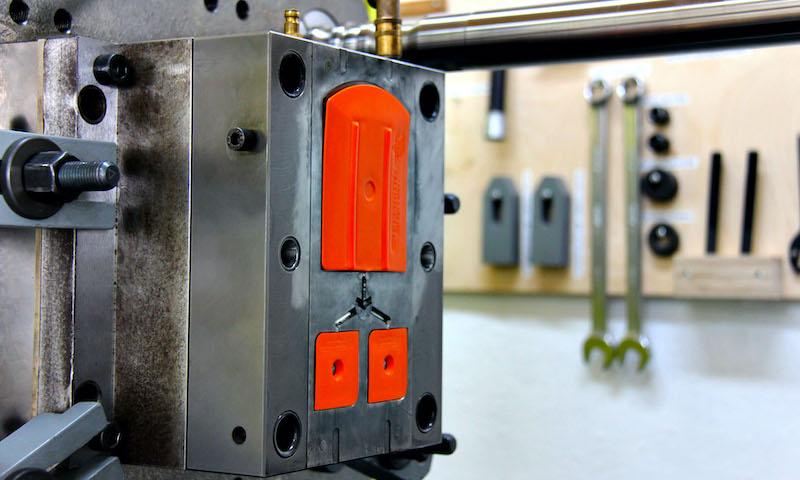 Yellotools Rakel, orange Spritzgiessautomat