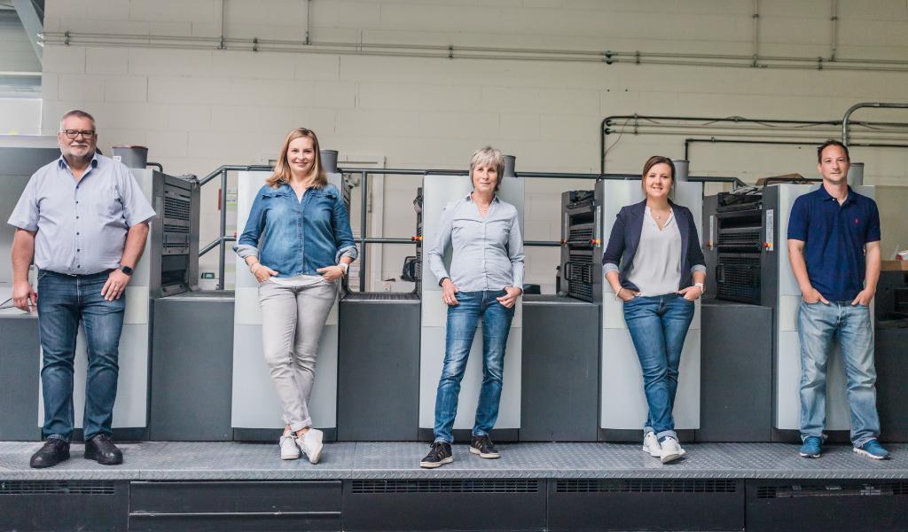 Druckerei Zabel Familie Seniorchefs Druckmaschine Heidelberg Speedmaster